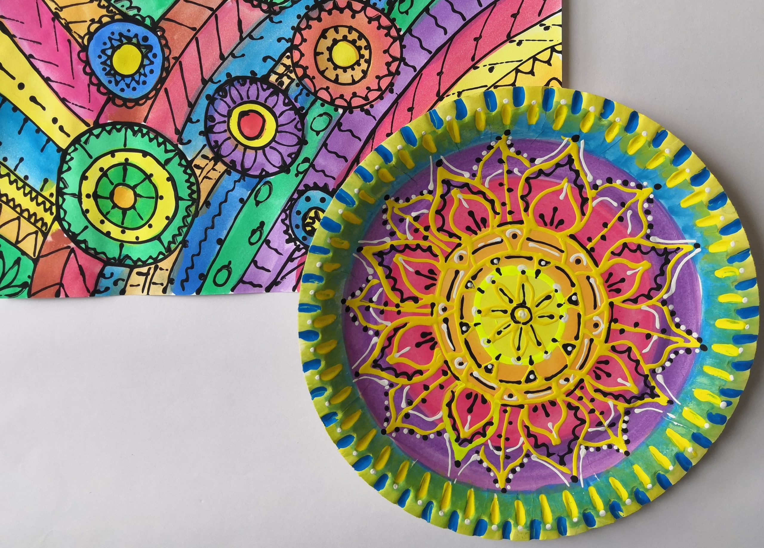 Výroba Mandaly z papírového talíře