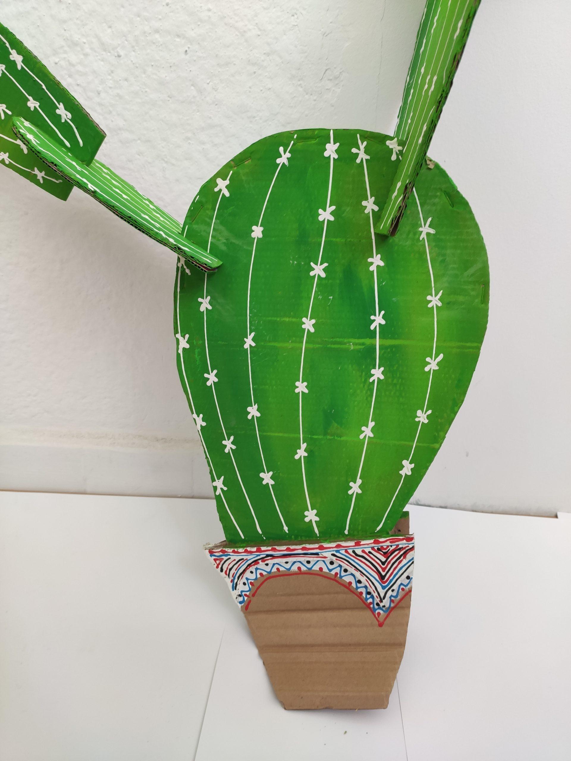 Papírový kaktus