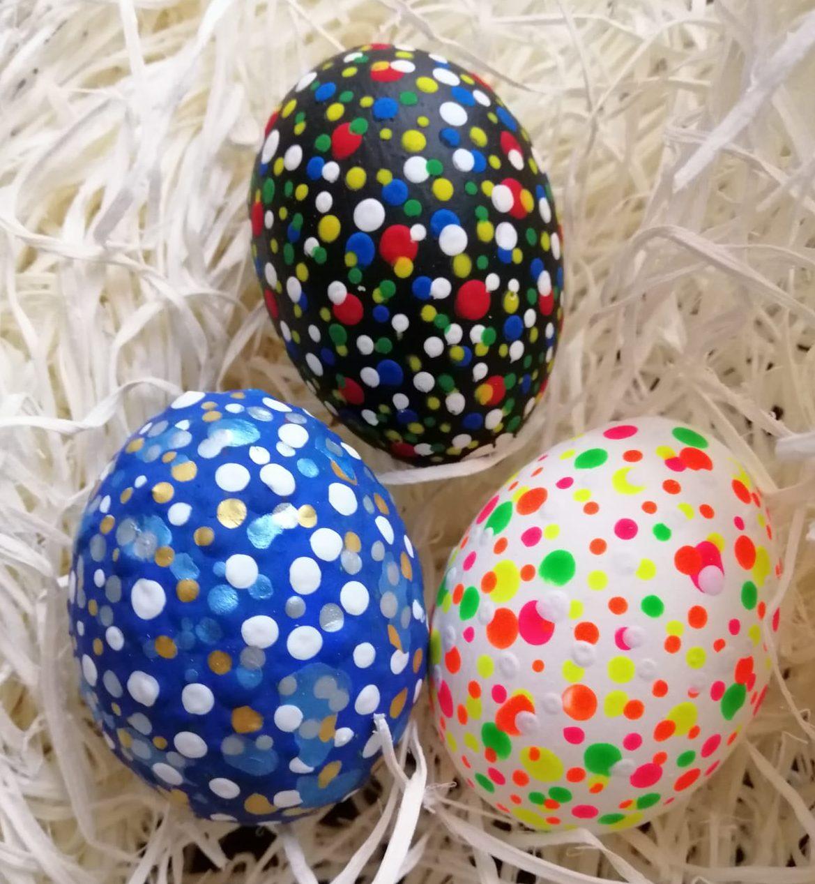 Velikonoční dekorace – vajíčko malované temperovými barvami